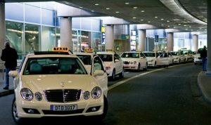 z01_german_taxis_at_airport_01